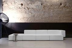 Modular sofa STEP By Viccarbe design Vincent Van Duysen Minimalist Interior, Minimalist Design, Caro Hotel, Sofa Furniture, Furniture Design, Acid Stained Concrete Floors, Concrete Lamp, Sofas, Vincent Van Duysen