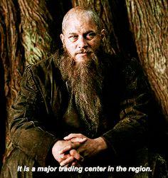 Oh Ragnar.You'll be forever missed Sons Of Ragnar, King Ragnar, Vikings Season 4, Vikings Tv Show, Vikings Tumblr, 80 Bands, Ragnar Lothbrok, Ivar The Boneless, Travis Fimmel