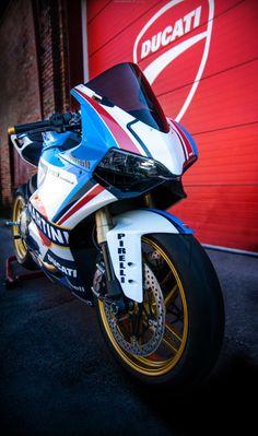 Very cool… Moto Ducati, Ducati Motorcycles, Super Bikes, Gi Joe, Motogp Race, Ducati 1199 Panigale, Motorcycle Wheels, Motorcycle Art, Motorcycle Design