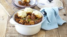 Looking for great stew recipes to try out? This delicious winter beef stew is  very rewarding to prepare. Try it and see for yourself.