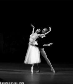Svetlana Zakharova and David Hallberg in Giselle