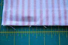 Neat Finish Window Pouch -- Sewing Tutorial by Roonie Ranching © 2013 Sewing Tutorials, Sewing Projects, Pouch Tutorial, Id Wallet, Zipper Pouch, Cosmetic Bag, Window, Pouches, Quilts