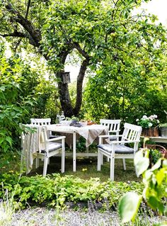Spring is here! With a wide choice of different styles and sizes, including matching sets of chairs and tables, the IKEA outdoor dining furniture, like the ÄNGSÖ series, helps you create a favorite spot to eat out right at home. Ikea Outdoor, Outdoor Rooms, Outdoor Gardens, Outdoor Living, Outdoor Decor, Ikea Garden Furniture, Outdoor Dining Furniture, Plein Air Ikea, Ikea Exterior