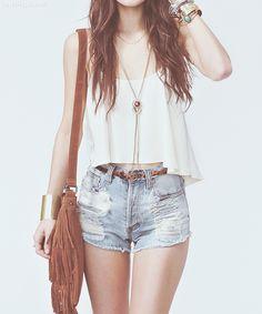 70s style fashion belt denim fringe purse trend