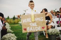 burlap Here Comes The Bride sign | CHECK OUT MORE IDEAS AT WEDDINGPINS.NET | #weddings