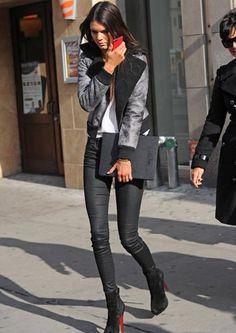 Kendall Jenner Street Style - Skinny Jeans  Heels
