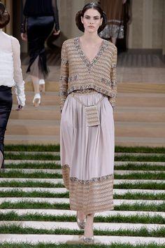 Sfilata Chanel Parigi - Alta Moda Primavera Estate 2016 - Vogue