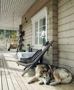 Tarja's Snowland, http://tarja-snowland.blogspot.fi, log home, terrace, scandinavian home, alaskan malamute