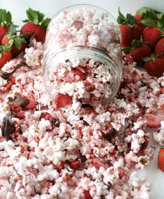 Chocolate Strawberry covered popcorn! Easy chocolate covered popcorn recipe with a twist!