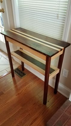 Walnut and maple with Danish oil and paste wax finish Hall Tables, Wood Tables, Entryway Tables, Woodworking Projects Diy, Woodworking Plans, Wood Projects, Fine Furniture, Furniture Design, Surf Room