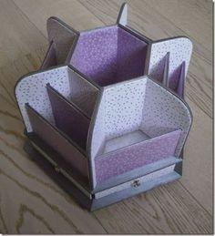 """Avec les papiers PAPERTREE Candy violet et blanc, voici un """"Carrousel à Scrap"""" réalisé par La Boite à C"""