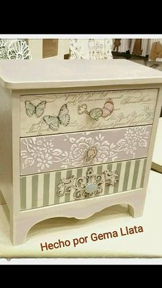 Jewerly Box Ideas Decoupage Ideas For 2019 Decoupage Furniture, Decoupage Box, Decoupage Vintage, Refurbished Furniture, Paint Furniture, Repurposed Furniture, Furniture Projects, Furniture Making, Furniture Makeover