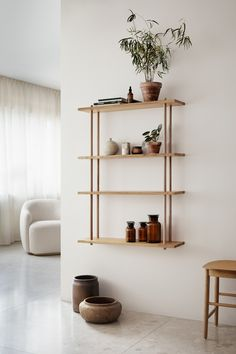 36 Awesome Shelves Wall Decor Ideas - You can make your house a dream home with its perfect interior and decor so that it will serve your family well and inspire you to achieve your dreams. Plywood Furniture, Flexible Furniture, Cool Furniture, Furniture Design, Inexpensive Furniture, Shelving Design, Modular Shelving, Shelving Systems, Montana Furniture