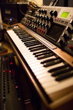 No.1 Baltic Place Moog Minimoog Voyager XL Vibe Gallery - Dalston Recording Studio   Miloco