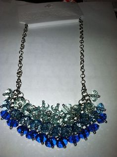"""$7.99 NWT Stunning Dark to Light Blue Ombre Crystal Bead Statement 20"""" Silver Necklace"""
