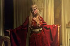 Cersei Lannister from Game of Thrones Cosplay http://geekxgirls.com/article.php?ID=3978