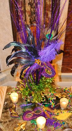 Southern charm: Mardi Gras Tablescape Source by Mardi Gras Centerpieces, Mardi Gras Decorations, Table Centerpieces, Centerpiece Ideas, Table Decorations, Casino Theme Parties, Party Themes, Party Ideas, Teen Parties
