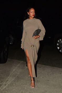 Rihanna Legs, Style Rihanna, Mode Rihanna, Rihanna Outfits, Rihanna Fenty, Rihanna Fashion, Fashion Wear, Fashion Looks, Fashion Outfits