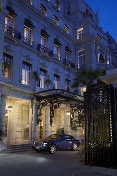 Located along the Champs-Elysées, this luxury hotel built in the private residence of Prince Roland Bonaparte, the Shangri-La Hotel Paris is a luxury hotel with award winning restaurants, a beautiful spa, and suites with some of the best views of the Eiffel Tower. Contact one of our expert vacation planners for exclusive offers.