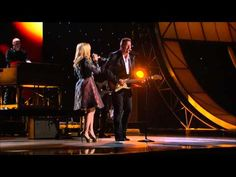Kelly Clarkson and Vince Gill - Don't Rush (CMA Awards Performance 2012)