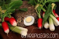 Another traditional Romanian Easter recipe, this offal meatloaf might not be everybody's cup of tea. Has similarities with haggis. Romanian Food, Meat Loaf, Easter Recipes, Celery, Carne, Lamb, Food And Drink, Stuffed Peppers, Traditional