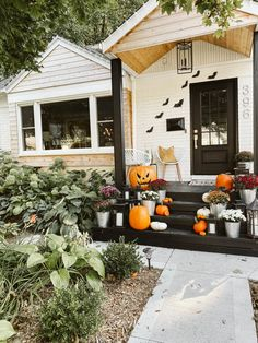 Decorating for Fall may be the toughest of all. You have Fall in general, Halloween and then Thanksgiving. Modern Halloween Decor, Halloween Porch Decorations, Holiday Decorations, Outdoor Decorations, Seasonal Decor, Halloween House, Fall Halloween, Halloween Ideas, Halloween Activities