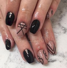 8. Another great short nail design.