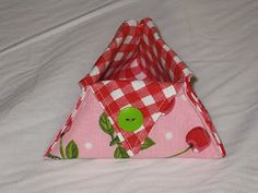 triangle thread catcher tutorial with great photos.