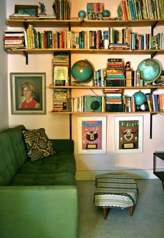 I love the globes in the bookshelf and the awkward portrait. Not so fond of the green couch but it all looks cool. Up House, Cozy House, House Design Photos, Living Spaces, Living Room, Home Interior, Interior Modern, My New Room, My Dream Home