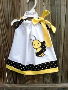 Beautiful Bumble bee pillowcase dress by on Etsy Sewing For Kids, Baby Sewing, Diy For Kids, Little Dresses, Little Girl Dresses, Girls Dresses, Baby Dresses, Dress Girl, Sewing Clothes