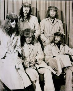 Jethro Tull, trenchcoat session in Germany 1972 Psychedelic Bands, Jethro Tull, Rock Artists, Boogie Woogie, British Rock, Progressive Rock, Blues Music, Music Guitar, Gospel Music