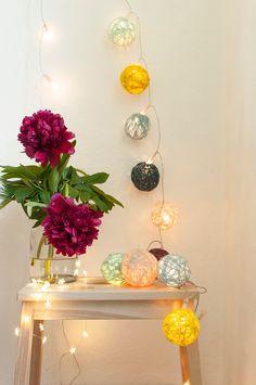 Wohn- und DIY Blog. Mit Themen rund ums Einrichten, Wohnen, und selber machen. Diy Blog, Small Furniture, Diy And Crafts, Glass Vase, Candles, Lights, Handmade, Home Decor, Diy Decoration