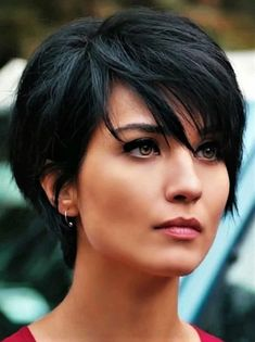 Latest Short Hairstyles for Winter 2020 Latest Short Hairstyles for Winter 2020 , Pixie haircut has a harvest variant and is not very easy to maintain. If you like it so much, you can always have a bang and free neck Latest Short Hairstyles, Work Hairstyles, Short Pixie Haircuts, Straight Hairstyles, Hairstyle Ideas, Black Hairstyles, Hair Ideas, Short Layered Hairstyles, 1960s Hairstyles