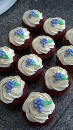 Grape wine party cupcakes