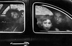 """Andrea, Pablo, Mary"" (Texas, 1956) / Robert Frank"