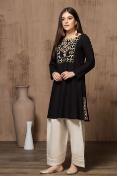 Mausummery Stitched Women Winter Dresses Designs Collection consists of embroidered stitched suits ready to wear shirts with trousers. Simple Pakistani Dresses, Pakistani Fashion Casual, Indian Fashion Dresses, Pakistani Dress Design, Indian Designer Outfits, Girls Fashion Clothes, Designer Dresses, Black Pakistani Dress, Fancy Dress Design