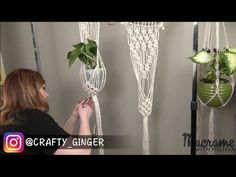 DIY Macrame Tutorial: Macrame Plant Hanger for Beginners of 4 Tutorial DIY Macrame: Macrame Plant Macrame Plant Hanger Patterns, Macrame Plant Holder, Macrame Patterns, Plant Holders, Crochet Patterns, Macrame Youtube, Wall Plant Hanger, Tutorial Diy, Macrame Cord
