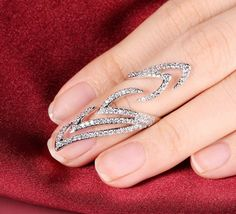 Pretty bridal knuckle nail ring open end rhinestones, has S,M and B size.....https://www.amdxd.com/collections/women-rings/products/rhinestone-nail-rings-mini-rings-jewelry-mini-knuckle-rings-fingernail-rings?variant=21151197383