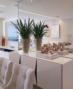 Detalhes inspiradores no espaço by Max Mello.  Amei! Inspo via @almocodesexta - www.homeidea.com.br Face: /homeidea  Pinterest: Home Idea #homeidea #arquitetura #ambiente #archdecor #archdesign #projeto #homestyle #home #homedecor #pontodecor #homedesign #photooftheday #interiordesign #interiores #picoftheday #decoration #revestimento  #decoracao #architecture #archdaily #inspiration #project #regram #home #casa #grupodecordigital