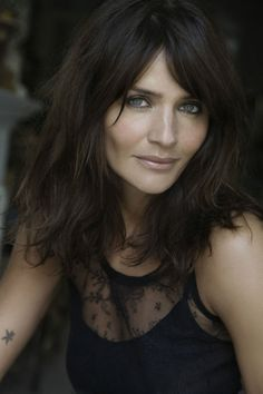 Helena Christensen for damerne Denmark November 2009 Belage Hair, Hair Dos, New Hair, Hairstyles With Bangs, Cool Hairstyles, Helena Christensen, Great Hair, Hair Lengths, Hair Inspiration