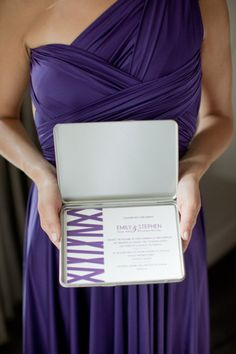 modern boxed invitations by https://www.amilestonepaperco.com/  Photography by http://amandawilcher.com