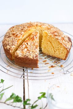 Bizcocho de naranjas Sweets Recipes, Cake Recipes, Cooking Recipes, Desserts, Gateaux Cake, Cheesecake Cake, Little Cakes, Dessert Bread, Cakes And More