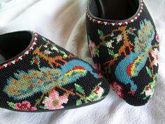 Penang kasut manek