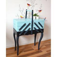 Travailleuse vintage, boite à couture d'occasion vintage, design, scandinave, industriel, ancien vendu sur Collector Chic dépôt-vente