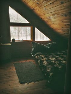 bedroom, wood, warm