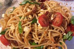 Spaghetti Salad with Pesto and Mozzarella by tillynilson Spaghetti Salad, Pesto Pasta Salad, Salat Al Fajr, Mozzarella Salat, Catering Buffet, Grilling Recipes, Mayonnaise, Salads, Food Porn