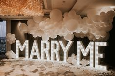 We planned this amazing proposal at Shangri-la at The Shard in London 😍 Read all about the Proposal in the Clouds Surprise Proposal Pictures, Cute Proposal Ideas, Cute Wedding Ideas, Proposal Photos, Wedding Pictures, Wedding Proposal Videos, Romantic Proposal, Romantic Weddings, Best Wedding Proposals