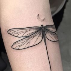 Ideas For Tattoo Designs Butterfly Dragon Flies Mini Tattoos, Love Tattoos, Beautiful Tattoos, Body Art Tattoos, Small Tattoos, Crown Tattoos, Tatoos, Heart Tattoos, Key Tattoos