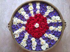 Pookolam Thali Decoration Ideas, Diwali Decorations, Festival Decorations, Flower Decorations, Rangoli Designs Flower, Rangoli Ideas, Flower Rangoli, Simple Rangoli, Flower Girl Bouquet