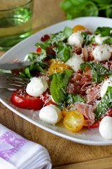 Tomate-Mozzarella-mit-Parmesan-und-Schinken
